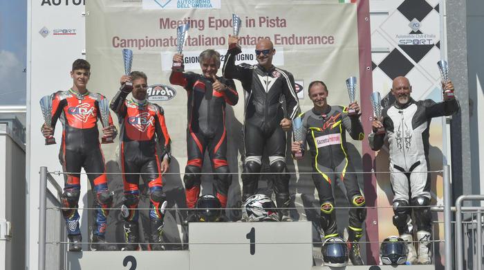 Moto Guzzi Fast Endurance - podio