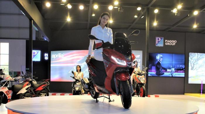 Gruppo Piaggio: presentato alla fiera internazionale Auto Expo di Delhi il nuovo Scooter Aprilia SXR 160, dedicato al mercato indiano