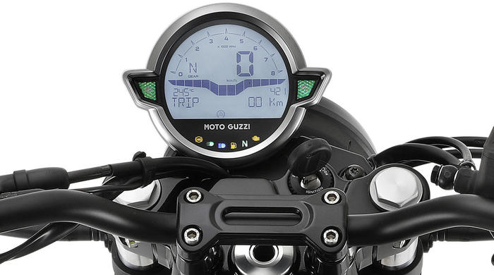 Moto Guzzi V7 Stone 11